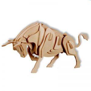 3D bouwpakket van een stier. Gemaakt van FSC hout